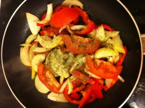 poêlée de légumes oignons tomates poivron